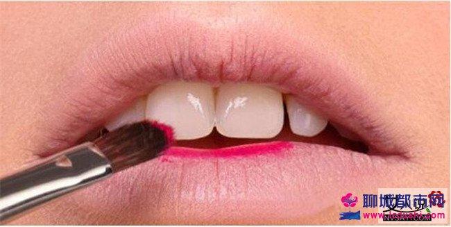 现在流行什么唇妆 美妆前线推介2016秋冬唇妆流行趋势