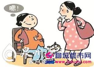 64岁失独高龄产妇生下男婴母子照,闭经十年如何怀孕背后辛酸真相