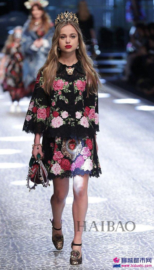 Lady Amelia Windsor亮相2017秋冬米兰时装周杜嘉班纳 (Dolce&Gabbana) 秀场