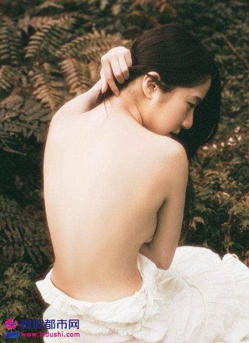 月经量少是什么原因造成的 女性月经的由来