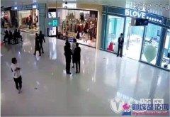 北京大同万达商场员工掌掴孕妇耳光丈夫飞踹打人者视频 万达商场